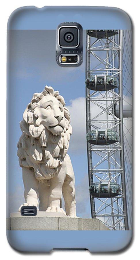 Lion Galaxy S5 Case featuring the photograph Britannia Lion by Margie Wildblood