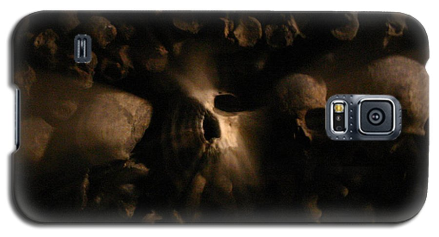 Galaxy S5 Case featuring the photograph Catacombs - Paria France 3 by Jennifer McDuffie