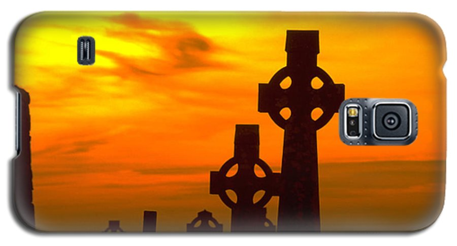 Christian Galaxy S5 Case featuring the photograph Celtic Crosses In Graveyard by Carl Purcell