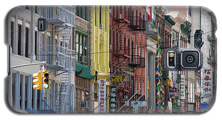 Architecture Galaxy S5 Case featuring the photograph Chinatown Walk Ups by Rob Hans