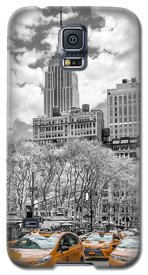 Empire State Building Galaxy S5 Case featuring the photograph City Of Cabs by Az Jackson