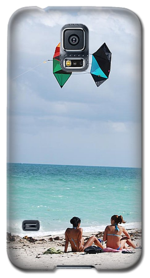 Sea Scape Galaxy S5 Case featuring the photograph Close Encounters by Rob Hans