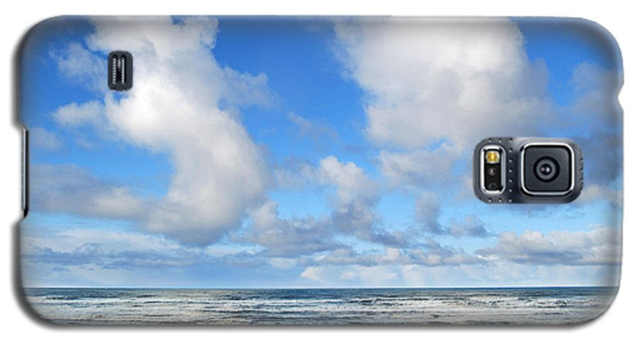 Ocean Galaxy S5 Case featuring the photograph Clouds At Play by Larry Keahey