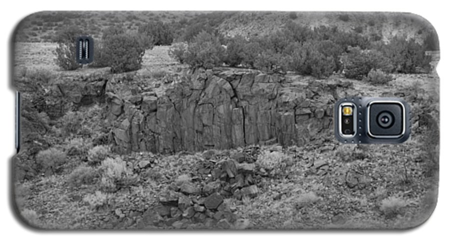 Rocks Galaxy S5 Case featuring the photograph Cochiti Rocks by Rob Hans
