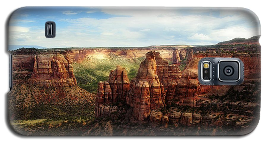 Americana Galaxy S5 Case featuring the photograph Colorado National Monument by Marilyn Hunt