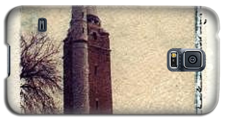 Polaroid Transfer Galaxy S5 Case featuring the photograph Compton Water Tower by Jane Linders