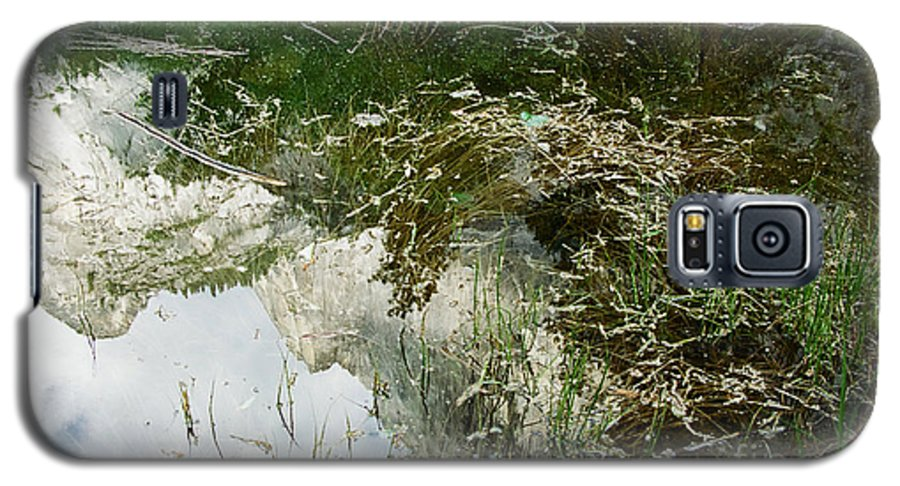 Mirror Lake Galaxy S5 Case featuring the photograph Confusion by Kathy McClure
