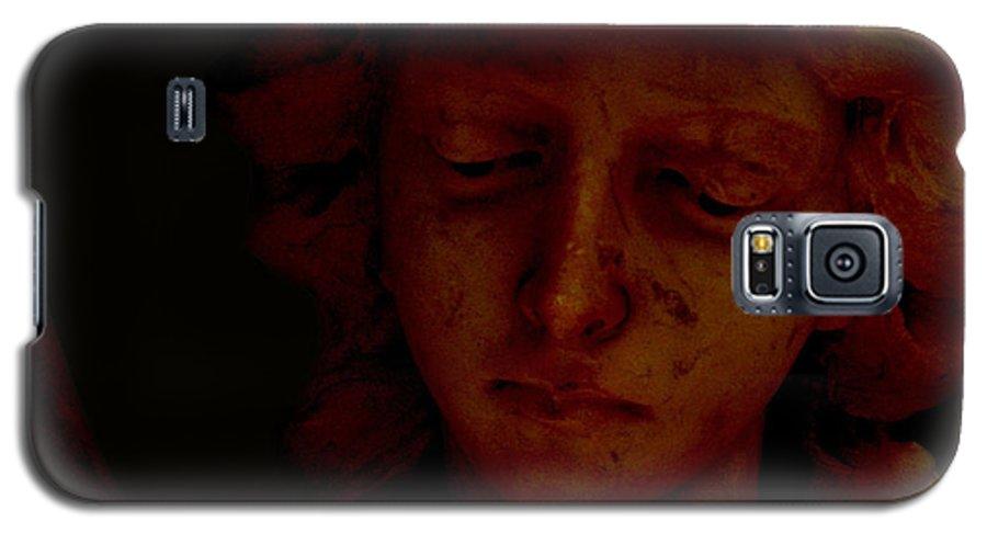 Angel Galaxy S5 Case featuring the photograph Dark Angel by Ruben Flanagan