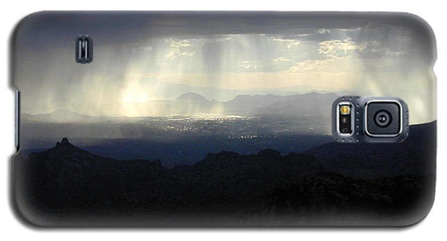 Darkness Galaxy S5 Case featuring the photograph Darkness Over The City by Douglas Barnett