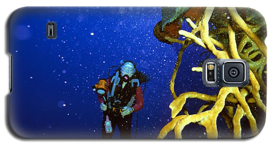Dive Galaxy S5 Case featuring the photograph Diving The Wall At Little Cayman by Carl Purcell