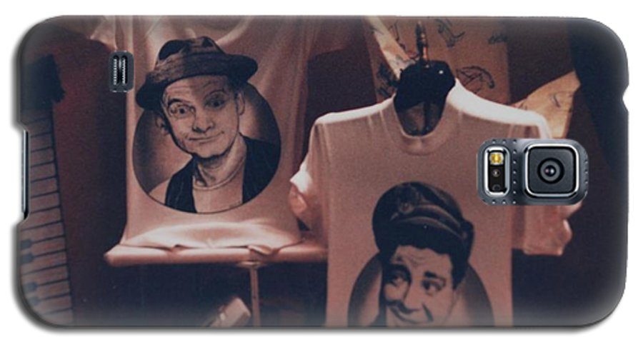 The Honeymooners Galaxy S5 Case featuring the photograph Ed And Ralphie Boy by Rob Hans