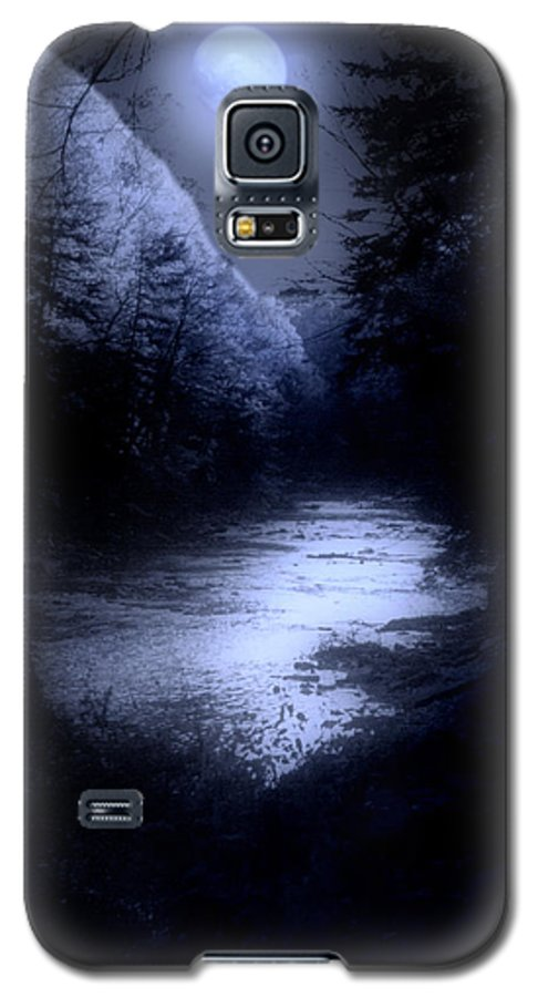 Moon Galaxy S5 Case featuring the photograph Eerie Tranquility by Kenneth Krolikowski