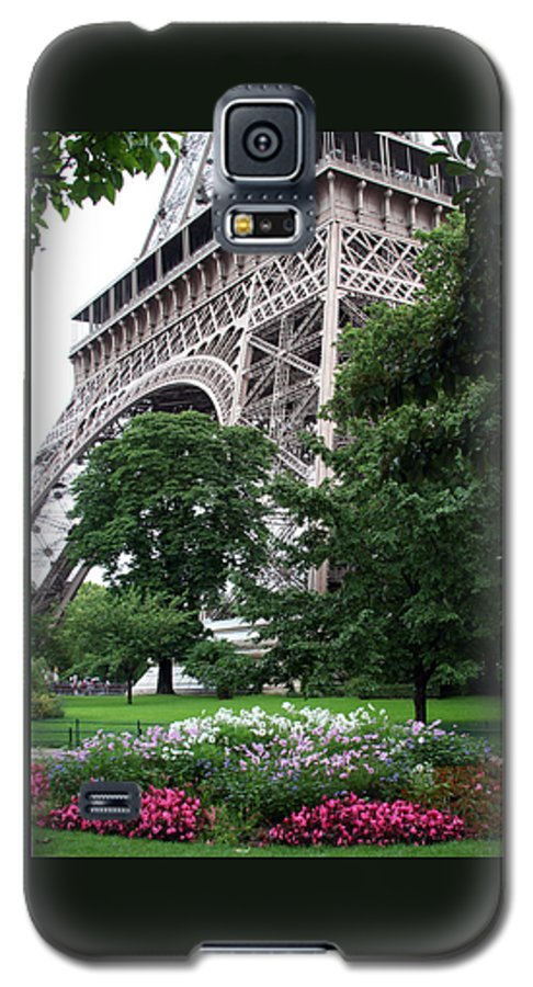 Eiffel Galaxy S5 Case featuring the photograph Eiffel Tower Garden by Margie Wildblood