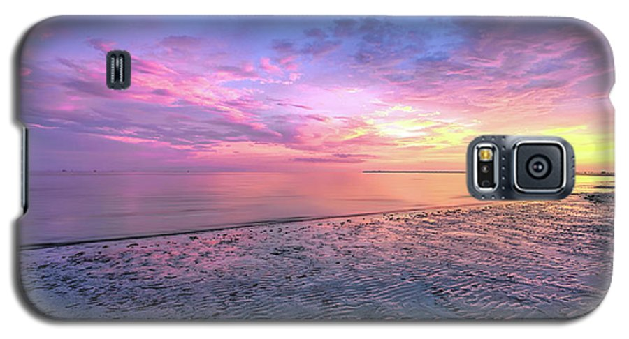 Landscape Galaxy S5 Case featuring the photograph End Of The Day. by Evelyn Garcia