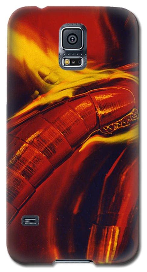 Abstract Galaxy S5 Case featuring the photograph Eritico by David Rivas