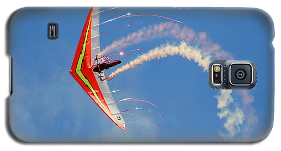Sky Galaxy S5 Case featuring the photograph Fantasy Flight by Larry Keahey