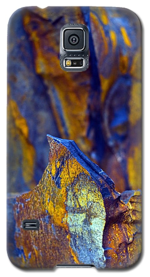 Texture Galaxy S5 Case featuring the photograph First Cut Is The Deepest by Skip Hunt