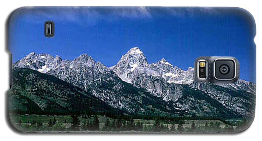 Mountains Galaxy S5 Case featuring the photograph First View Of Tetons by Kathy McClure