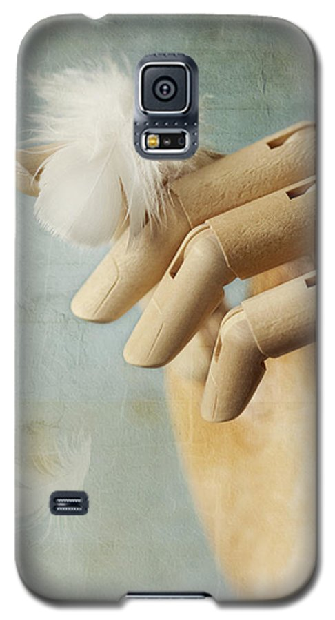 Hand Galaxy S5 Case featuring the photograph Fly Far Away by Amy Weiss