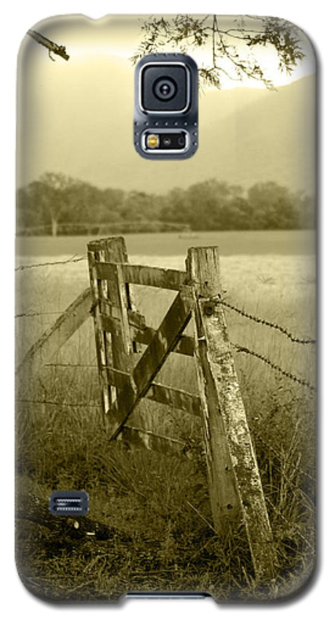 Gate Galaxy S5 Case featuring the photograph Forgotten Fields by Holly Kempe