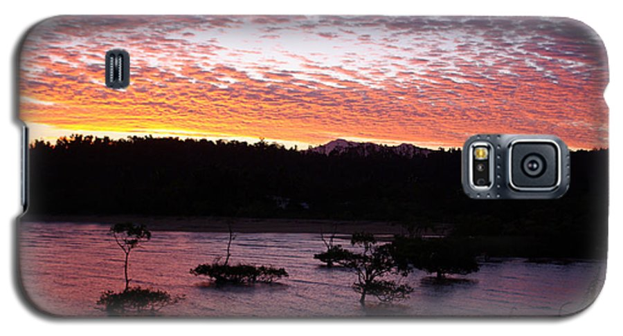 Landscape Galaxy S5 Case featuring the photograph Four Elements Sunset Sequence 3 Coconuts Qld by Kerryn Madsen - Pietsch