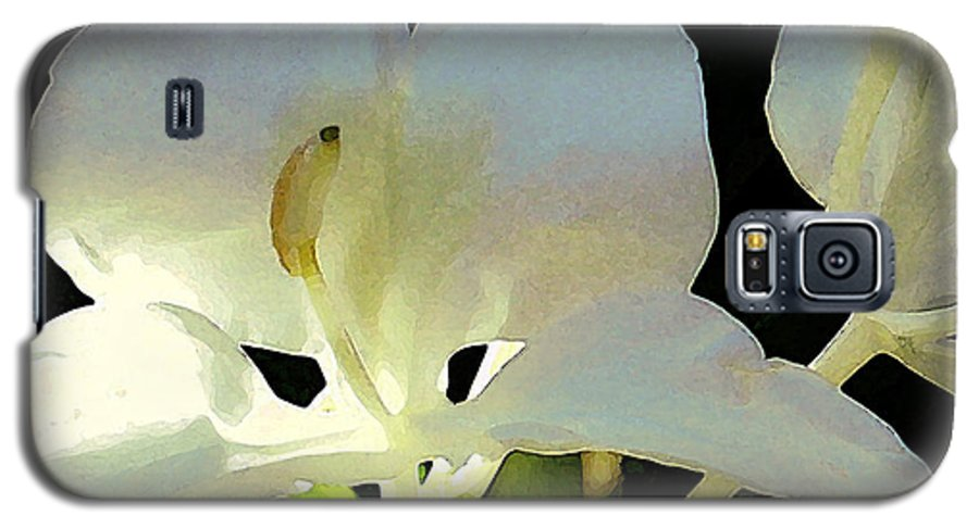 Ginger Galaxy S5 Case featuring the photograph Fragrant White Ginger by James Temple