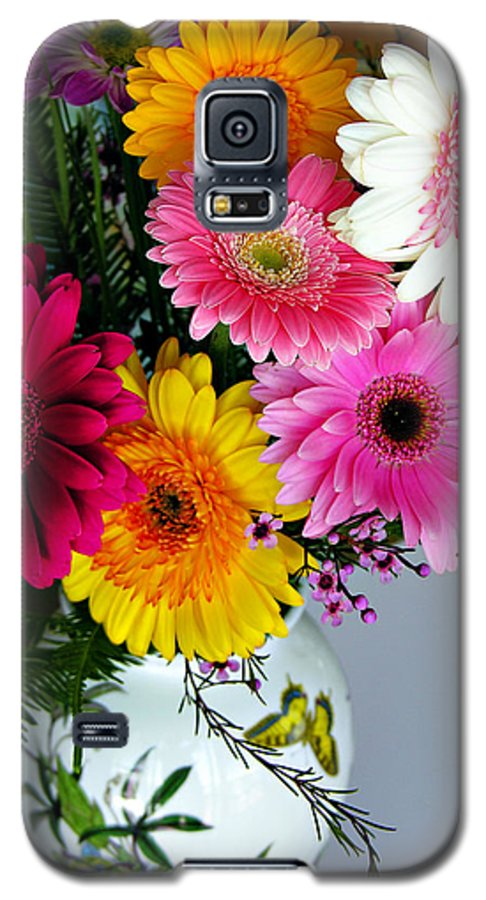 Flower Galaxy S5 Case featuring the photograph Gerbera Daisy Bouquet by Marilyn Hunt