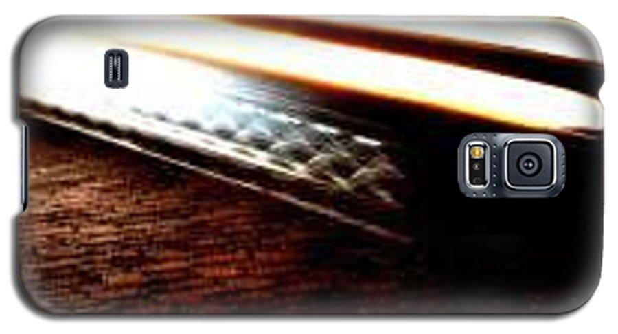 Car Headlights Galaxy S5 Case featuring the photograph Ghost by Eduardo Hugo