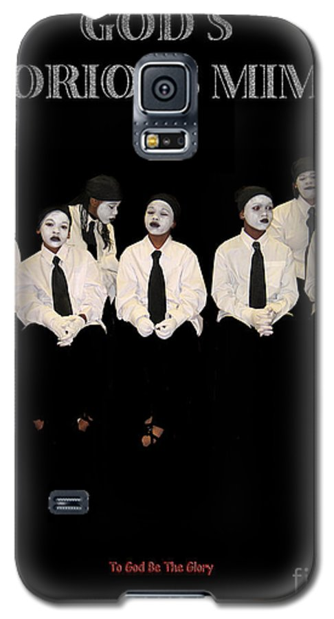 Young Mimes Waiting To Perform For God Galaxy S5 Case featuring the photograph God by Reggie Duffie