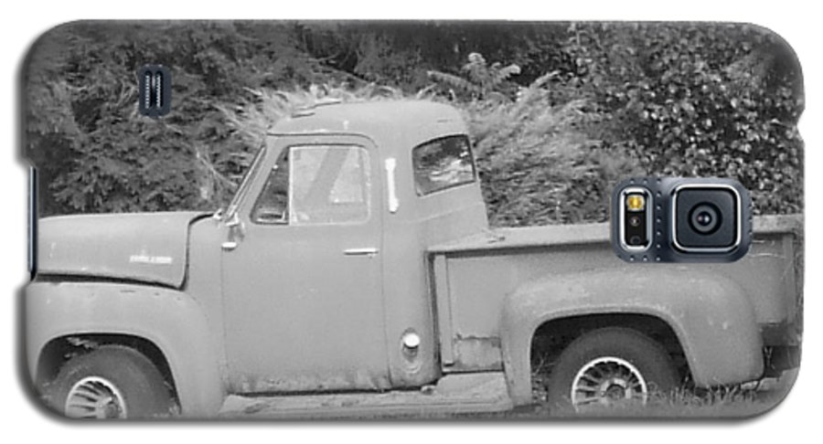 Truck Galaxy S5 Case featuring the photograph Grounded Pickup by Pharris Art