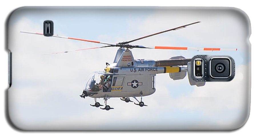 Helicopter Galaxy S5 Case featuring the photograph Hh-43b Huskie by Larry Keahey
