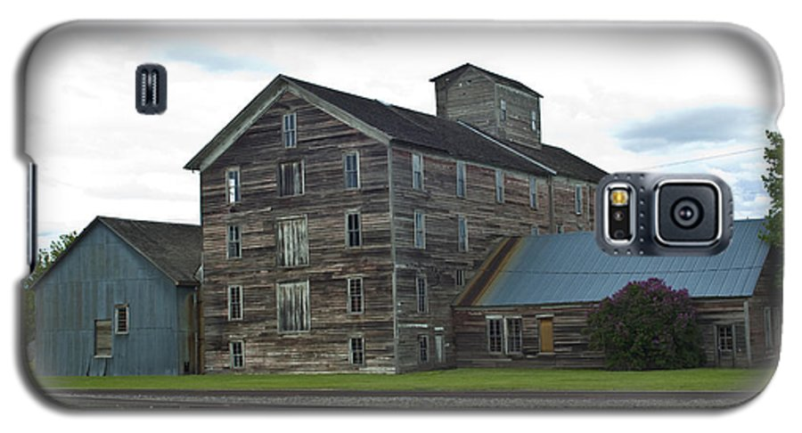 Historical Galaxy S5 Case featuring the photograph Historical Barron Wheat Flour Mill In Oakesdale Wa by Louise Magno