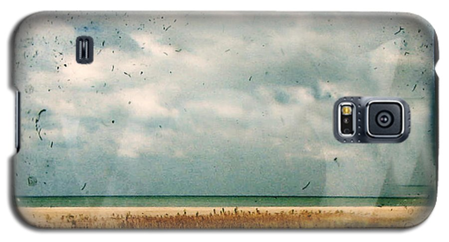 Dipasquale Galaxy S5 Case featuring the photograph I Honestly Believed by Dana DiPasquale