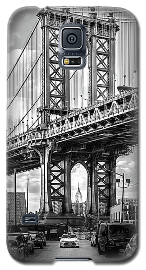 New York City Galaxy S5 Case featuring the photograph Iconic Manhattan Bw by Az Jackson