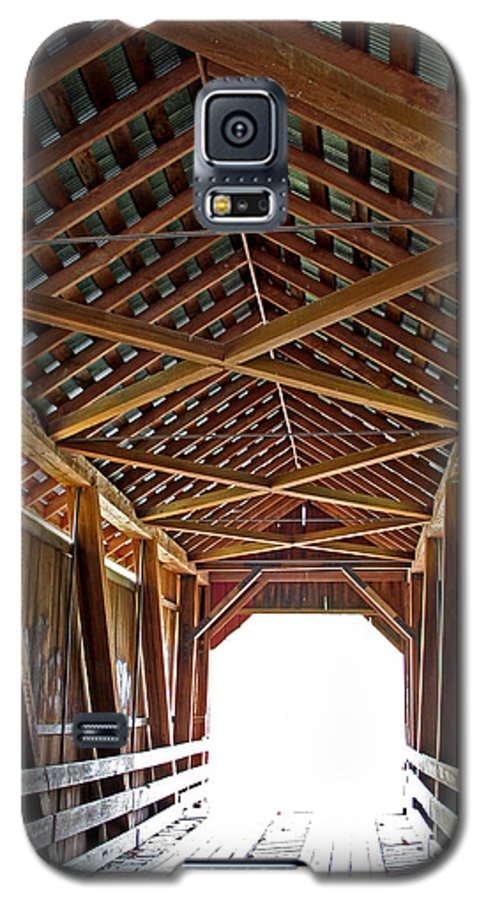 Light Galaxy S5 Case featuring the photograph Into The Light by Margie Wildblood