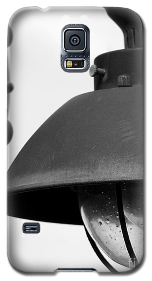 Lamppost Galaxy S5 Case featuring the photograph Lamp Post by Amanda Barcon