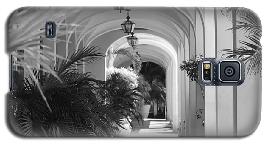 Architecture Galaxy S5 Case featuring the photograph Lighted Arches by Rob Hans
