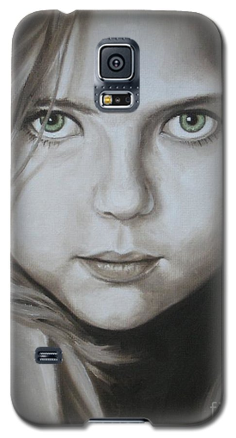 Portrait Galaxy S5 Case featuring the painting Little Girl With Green Eyes by Jindra Noewi