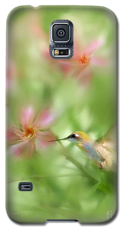 Garden Hummingbird Floral Green Tropical Oleander Galaxy S5 Case featuring the photograph Little Miracles by Carolyn Staut