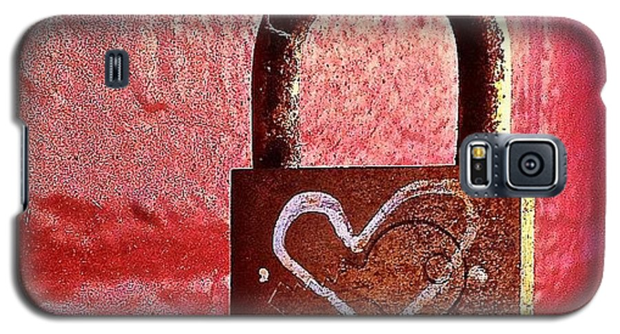 Lock Galaxy S5 Case featuring the photograph Lock/heart by Julie Gebhardt