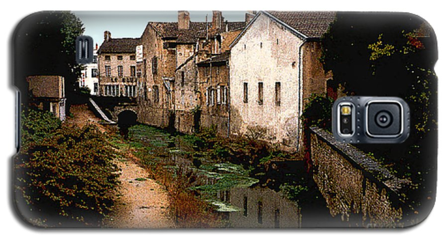 France Galaxy S5 Case featuring the photograph Loire Valley Village Scene by Nancy Mueller