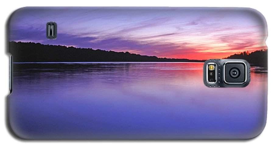 Landscape Galaxy S5 Case featuring the photograph Manidooziibi by Bill Morgenstern