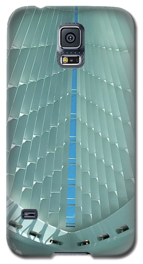 Mam Galaxy S5 Case featuring the photograph Milwaukee Art Museum Interior by Anita Burgermeister