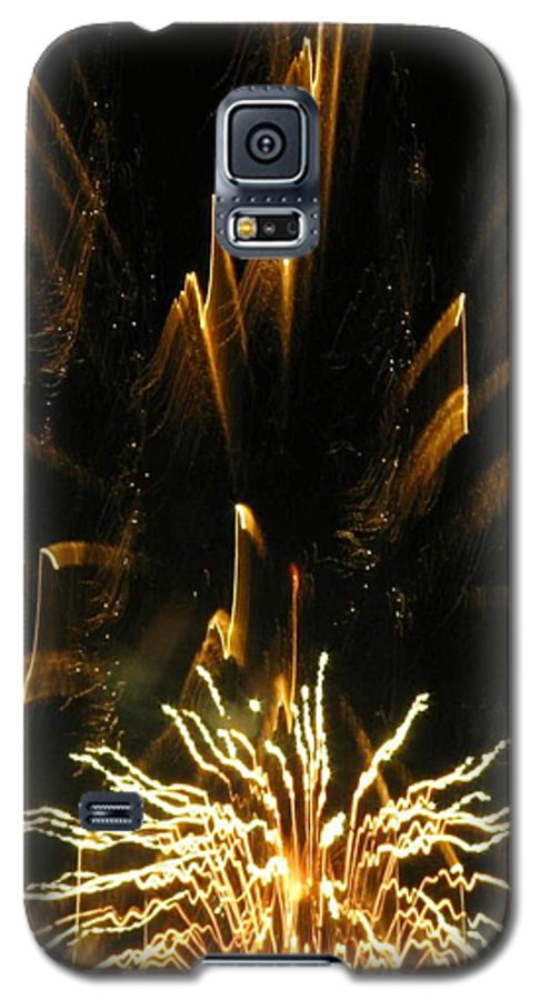 Fireworks Galaxy S5 Case featuring the photograph Music To My Eyes by Rhonda Barrett