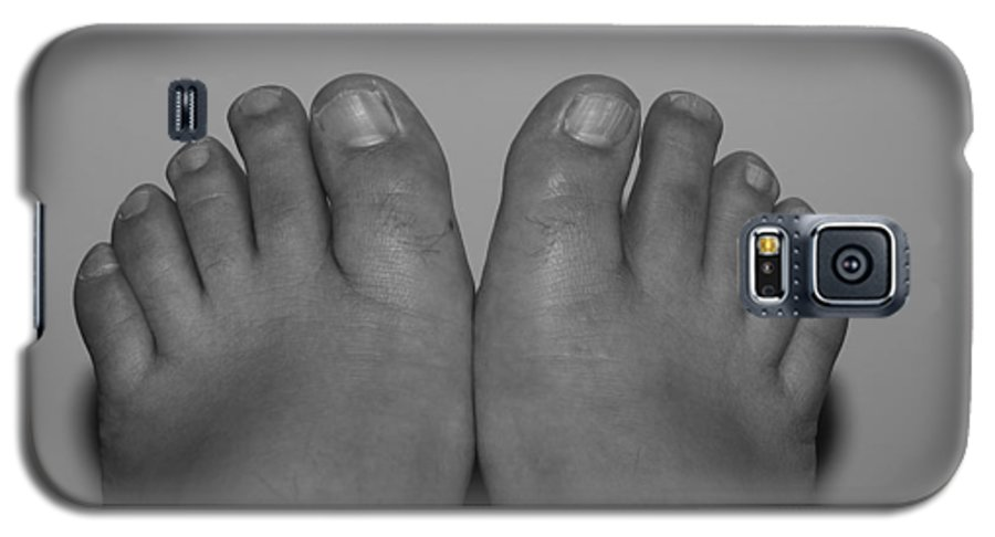 Pop Art Galaxy S5 Case featuring the photograph My Feet By Hans by Rob Hans