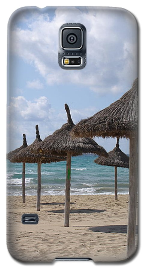 Beach Galaxy S5 Case featuring the photograph Natural Umbrella by Chad Natti
