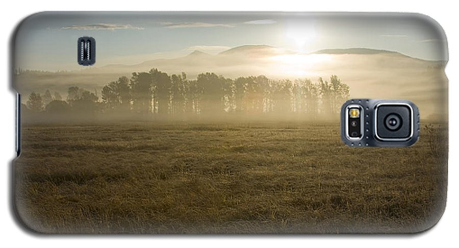 Atmosphere Galaxy S5 Case featuring the photograph October Atmosphere by Idaho Scenic Images Linda Lantzy