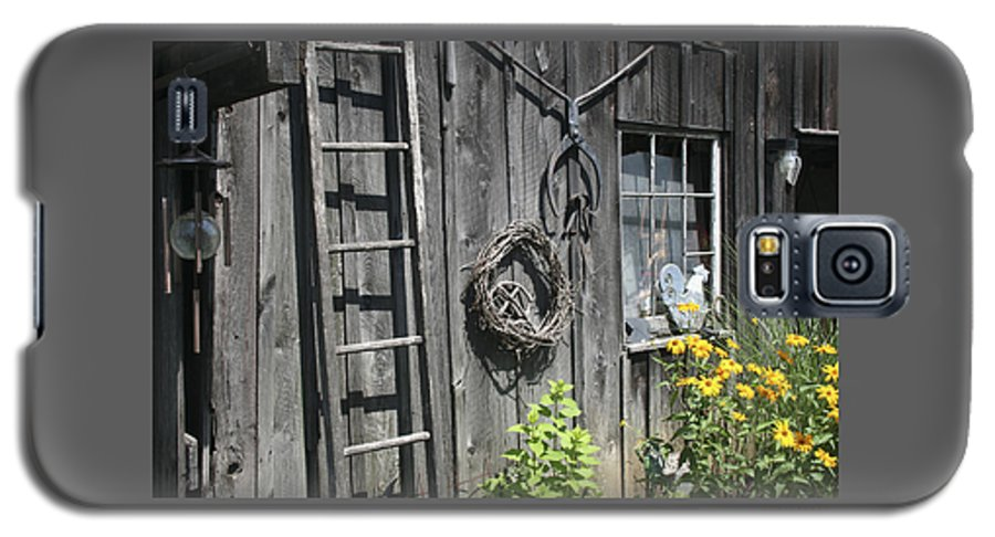 Barn Galaxy S5 Case featuring the photograph Old Barn II by Margie Wildblood