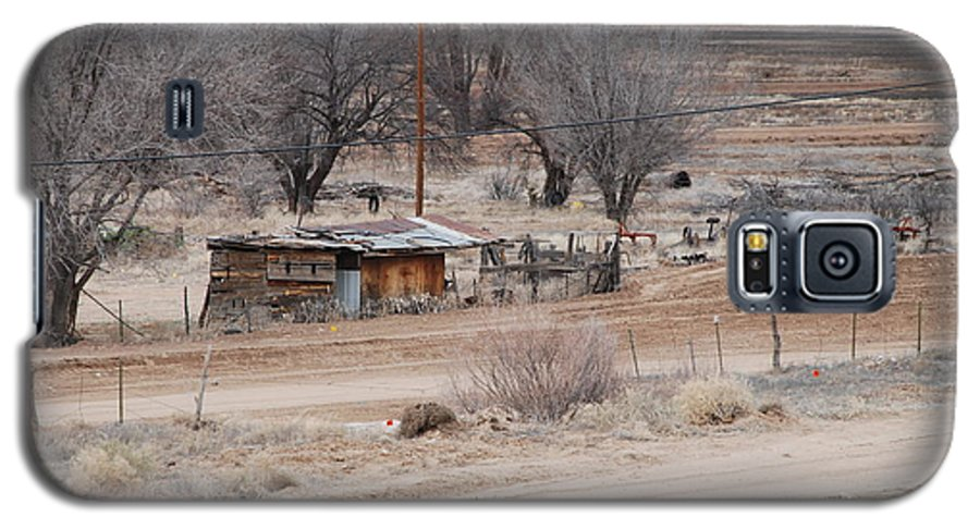 House Galaxy S5 Case featuring the photograph Old Ranch House by Rob Hans