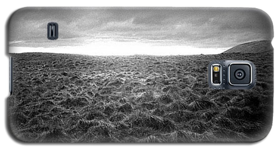 Landscape Galaxy S5 Case featuring the photograph Opening by Ted M Tubbs